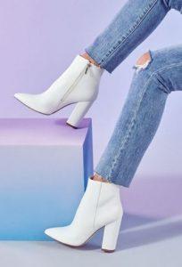 λευκά γυναικεία μποτάκια με τακούνι