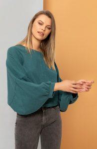 μακρυμάνικη μπλούζα με φαρδιά μανίκια