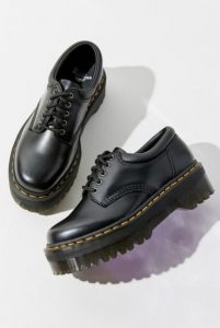 μαύρα παπούτσια γυναικεία με κορδόνια