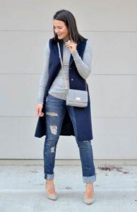μπλε γιλέκο τζιν παντελόνι στιλιστικά tips κρύψεις κοιλίτσα