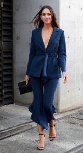 μπλε παντελόνι μπλε σακάκι