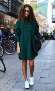 πράσινο φόρεμα πουκάμισο sneakers