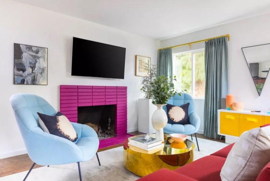 σαλόνι μοβ τζάκι πολλά χρώματα