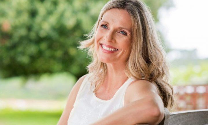 8 Στιλιστικά tips για γυναίκες 50+