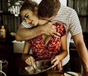 Ζευγάρι στην κουζίνα σώσεις γάμο εύκολα
