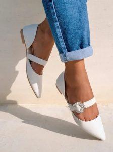άσπρα φλατ παπούτσια