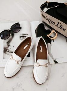 άσπρα καθημερινά γυναικεία παπούτσια
