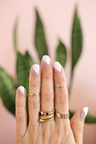 άσπρα nude νύχια διαγώνια νύχια