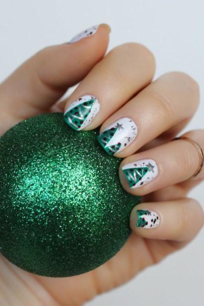 άσπρα νύχια χριστουγεννιάτικο δέντρο