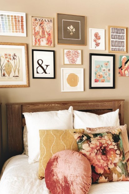 gallery wall κρεβάτι