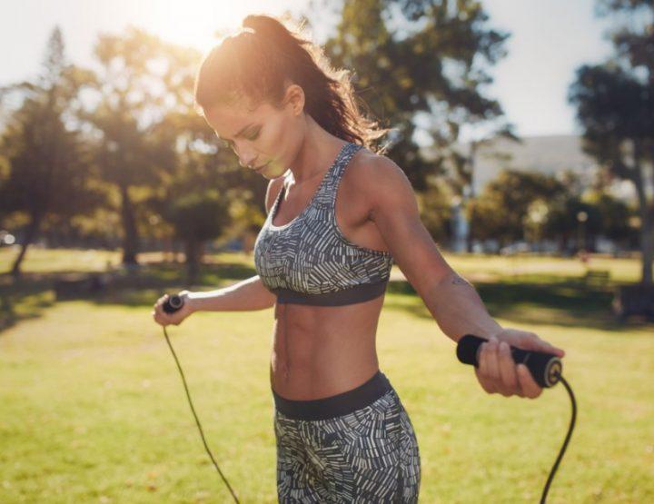 5 Απλές ασκήσεις που καίνε πολλές θερμίδες!