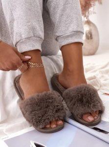 γυναικείες παντόφλες της μόδας