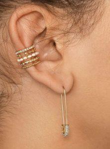 ιδιαίτερα σκουλαρίκια