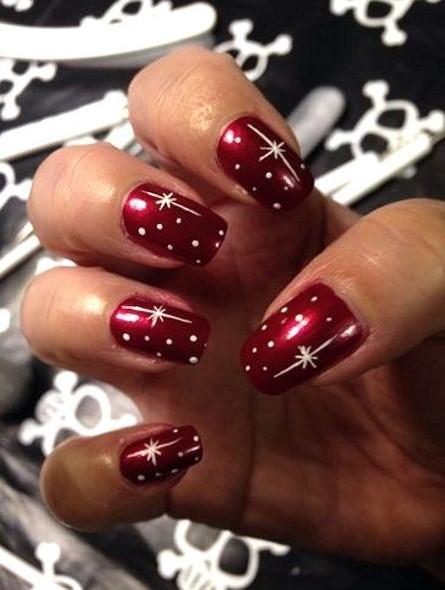 κόκκινα νύχια αστέρια