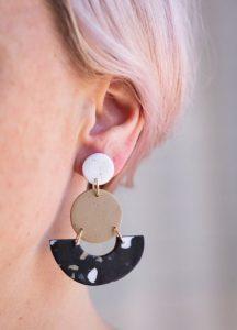 κρεμαστά σκουλαρίκια από πηλό