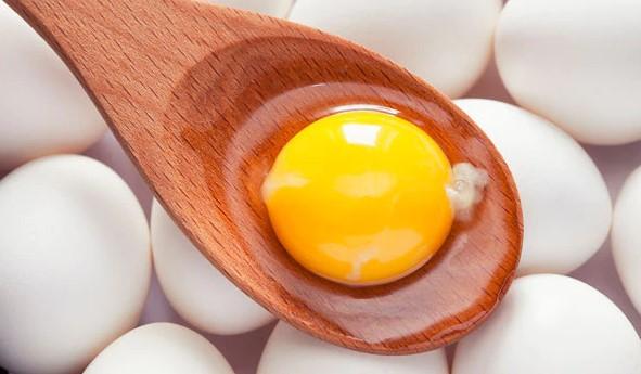 κρόκος αυγού κουτάλα