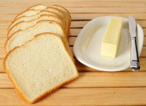 λευκό ψωμί βούτυρο
