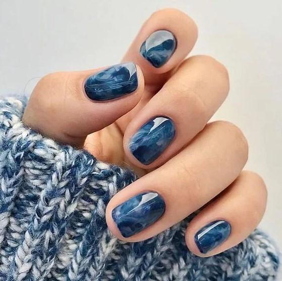 marble μπλε νύχια