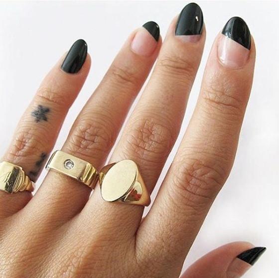 μαύρα νύχια διαγώνια σχέδια