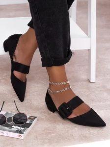 μαύρα παπούτσια σχεδόν φλατ