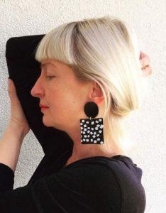 μαύρα σκουλαρίκια