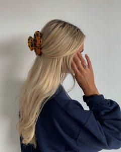 μισά μισά μαζεμένα τα μαλλιά χτένισμα