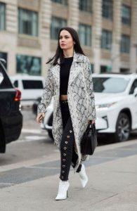 μοντέρνο γυναικείο outfit