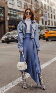 μοντέρνο ντύσιμο με σατέν φούστα