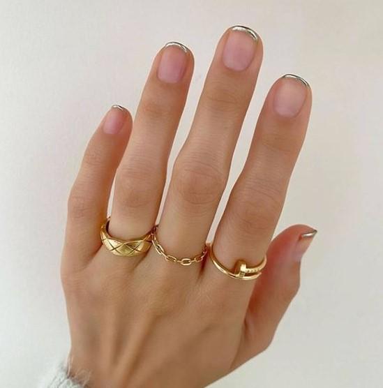 νύχια ασημί άκρες χειμωνιάτικα nail arts