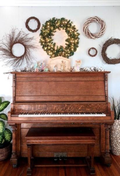 πιάνο gallery wall στεφάνια