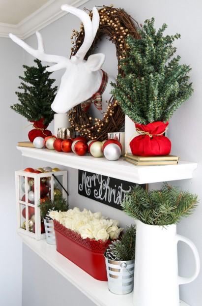 ράφι χριστουγεννιάτικα διακοσμητικά τοίχου
