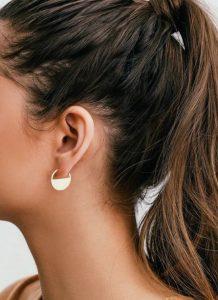στρογγυλά σκουλαρίκια