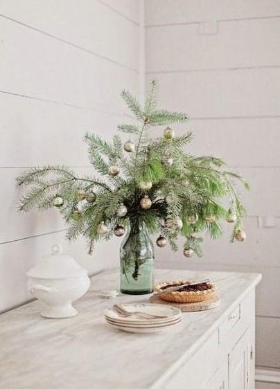 βάζο κλαδιά μπάλες μικρό σαλόνι Χριστούγεννα