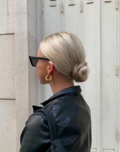 χαμηλός κότσος στα μαλλιά