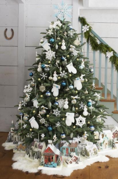 σπιτάκια διακοσμήσεις κάτω από χριστουγεννιάτικο δέντρο