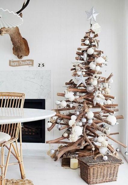 δέντρο ξύλα άσπρες ασημί μπάλες