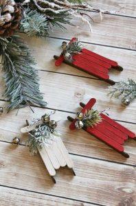 diy χριστουγεννιάτικα στολίδια από ξυλάκια