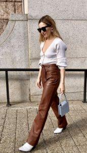 ντύσιμο με καφέ παντελόνι