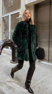ντύσιμο με μπότες και γούνα