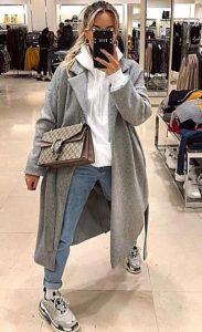 ντύσιμο με τζιν και παλτό