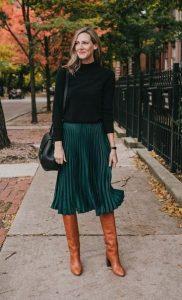 πράσινη πλισέ φούστα