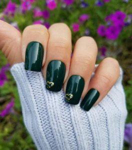 σκούρα πράσινα νύχια