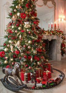 τρενάκι γύρω από το χριστουγεννιάτικο δέντρο