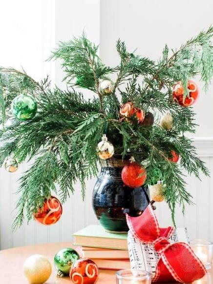 βάζο κλαδιά φυτού μπάλες διακοσμήσεις βάζα Χριστούγεννα