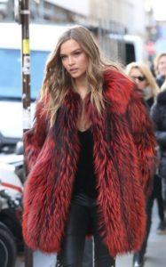 χειμωνιάτικο outfit με γούνα