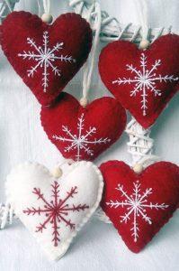 χριστουγεννιάτικα στολίδια καρδιές