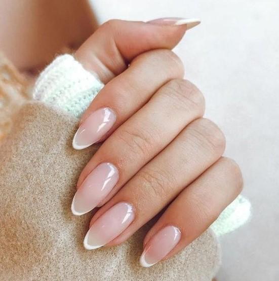 almond νύχια γαλλικό