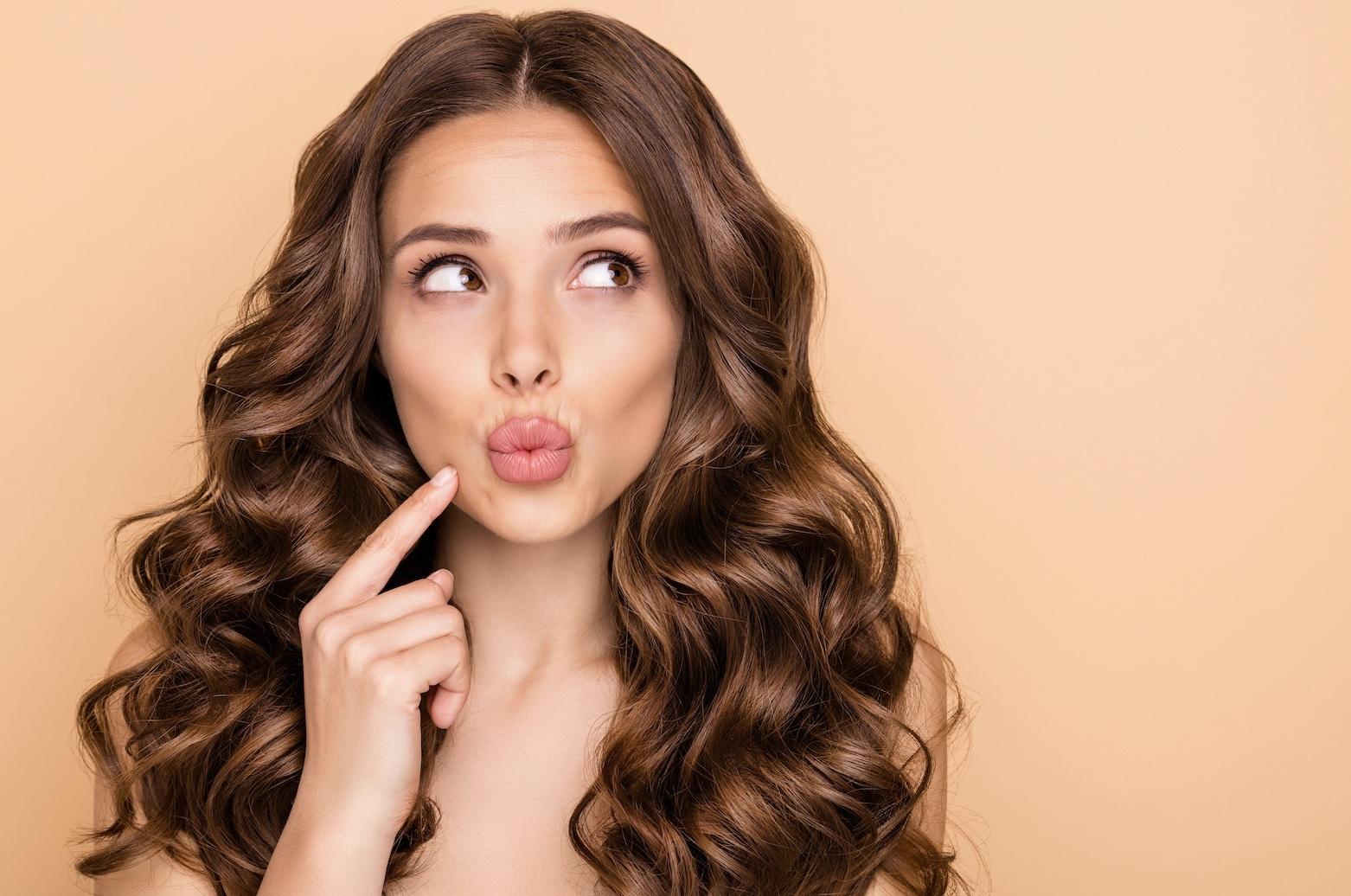 γυναικεία λαμπερά μαλλιά
