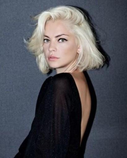 καρέ ξανθά άσπρα μαλλιά