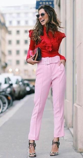 κόκκινο πουκάμισο ροζ παντελόνι χρωματικοί συνδυασμοί ρούχα ακριβά